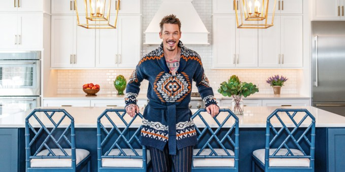 David Bromstad Net Worth 2020, Early Life, and Tattoos