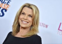 Vanna White Net Worth 2020, Bio, Relationship, and Career Updates