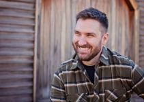 Mark Bowe Net Worth 2020, Bio, Relationship, and Career Updates
