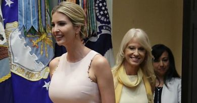 Wednesday Mood! Ivanka Looks Pretty In Peach, She Attracted World's Attention Again! (PHOTOS)