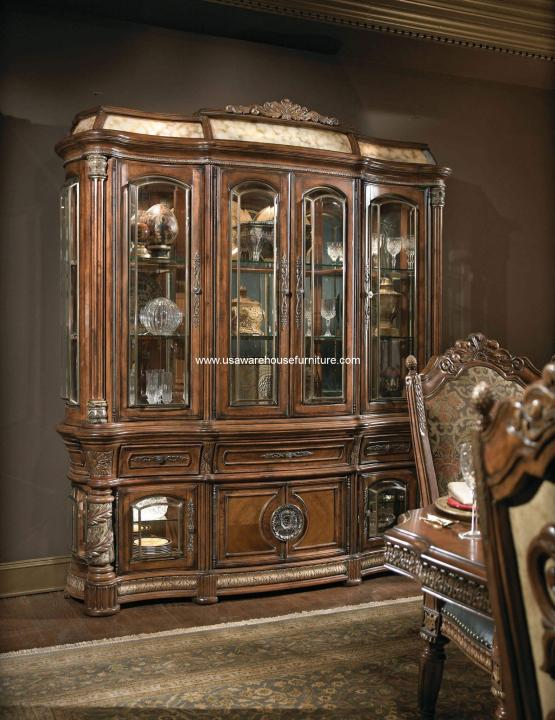 Villa Valencia Buffet and Hutch