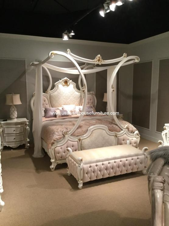 Picardy Upholstered Canopy Bedroom Set