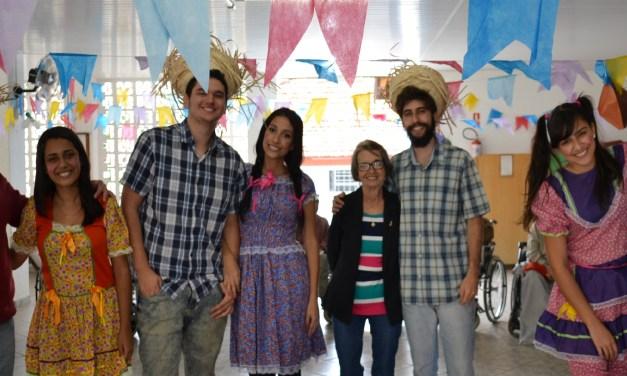 Alunos promovem Festa Junina na Vila Vicentina