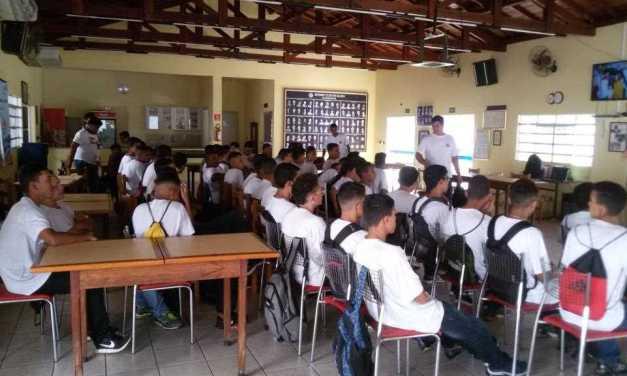 RP Comunica realizou palestra sobre Educação Política na Legião Mirim de Bauru