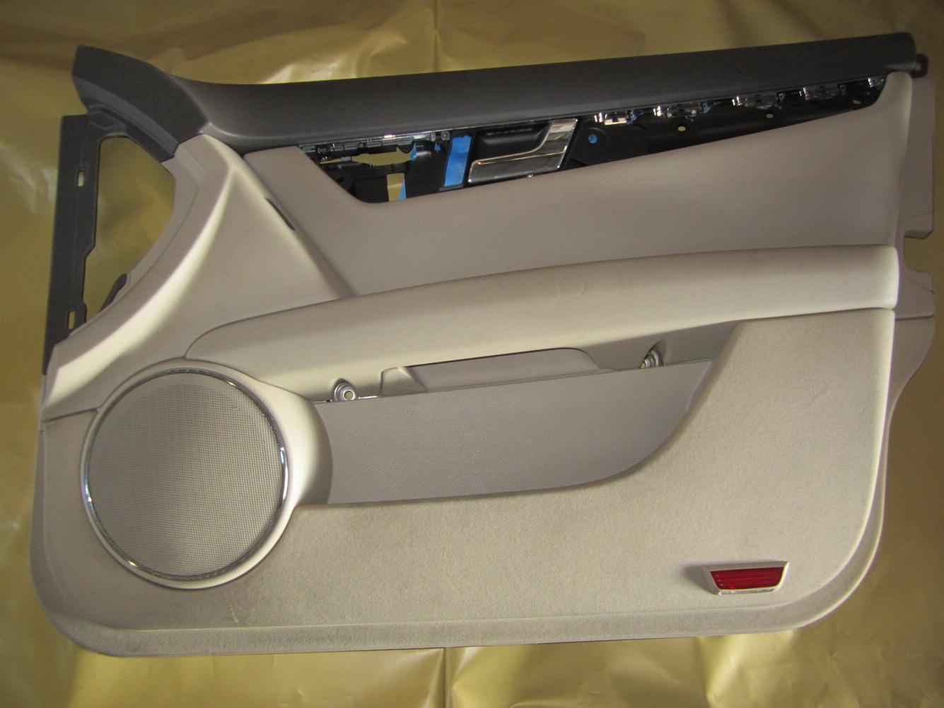 Mercedes Benz C300 C350 Right Side Front Interior Door