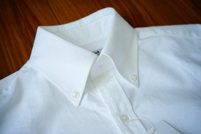 ディストリクトのシャツ