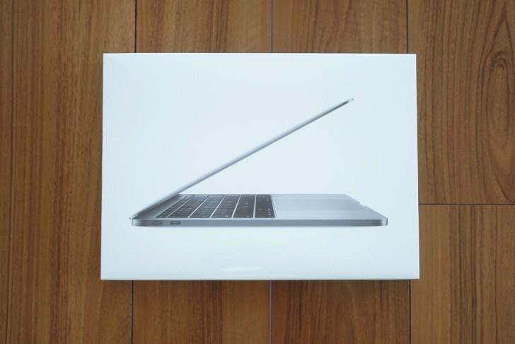 MacBookProの箱