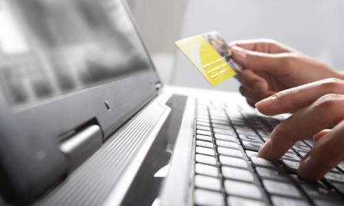 What was the first recorded online shopping transaction?