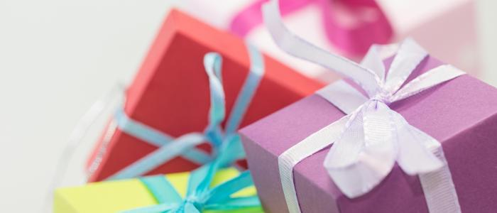 Useless Trivia: 35 historical facts about Christmas presents!