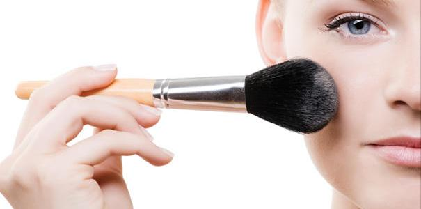 Cosmetics Trivia: 43 little known facts about their history!
