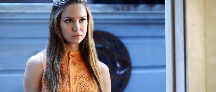 Katherine Waterston Trivia: 23 interesting facts about the actress!