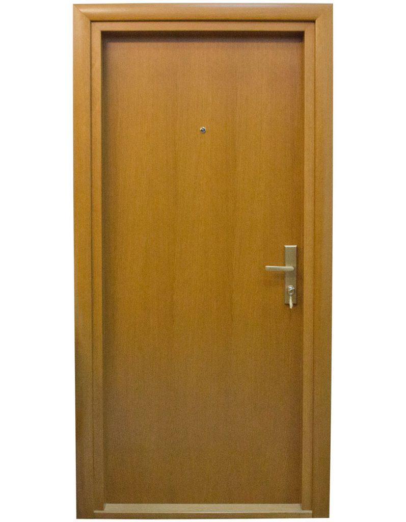 Usa de apartament din lemn stratificat model AP1