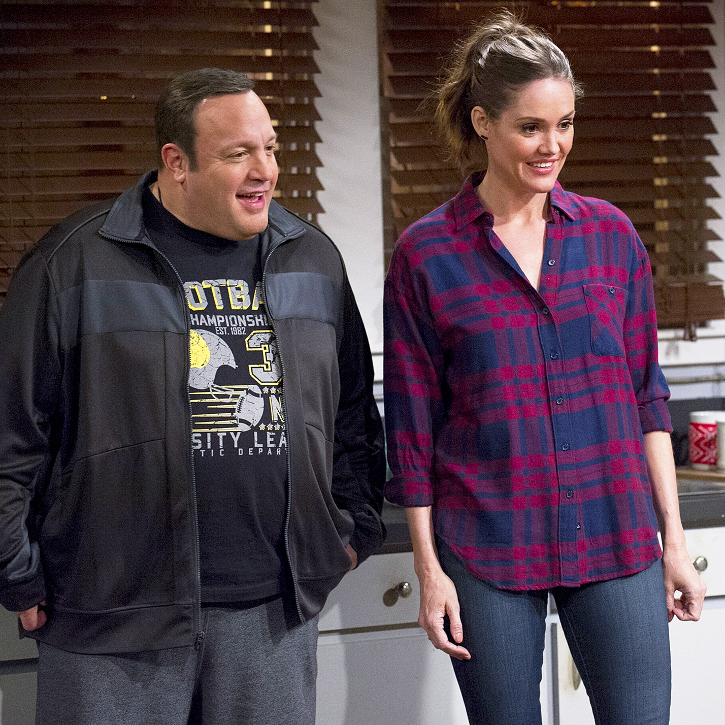Kevin James and Erinn Hayes on 'Kevin Can Wait'