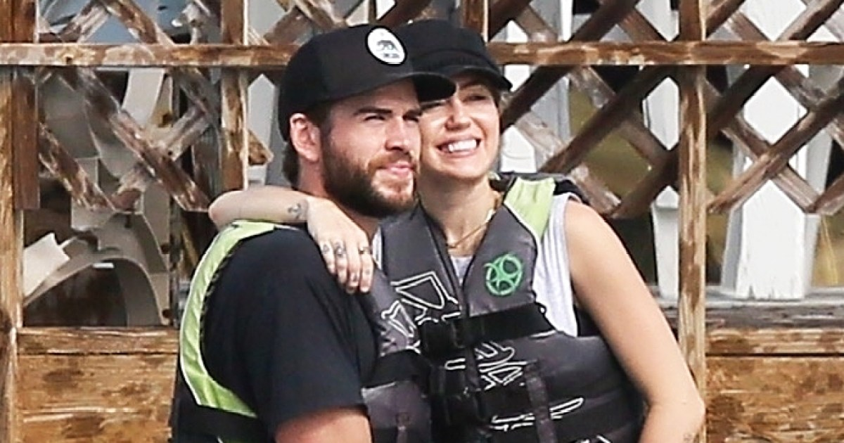 Miley And Liam Return To Beach Where They Fell In Love-6544