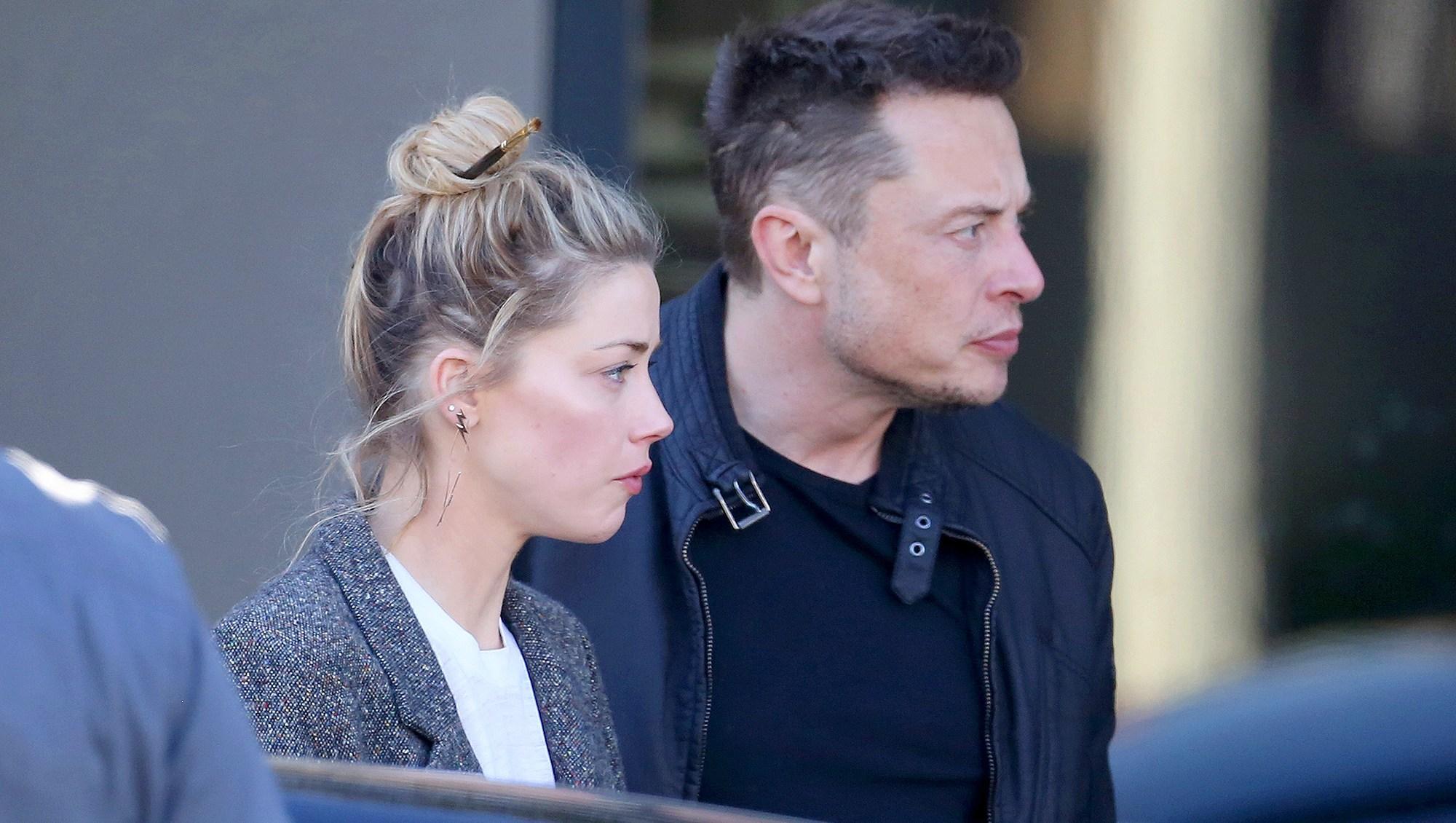 Elon Musk, Amber Heard, Kiss, SpaceX