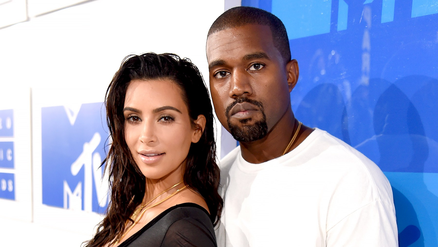 Kim-Kardashian-and-Kanye-West-move-home