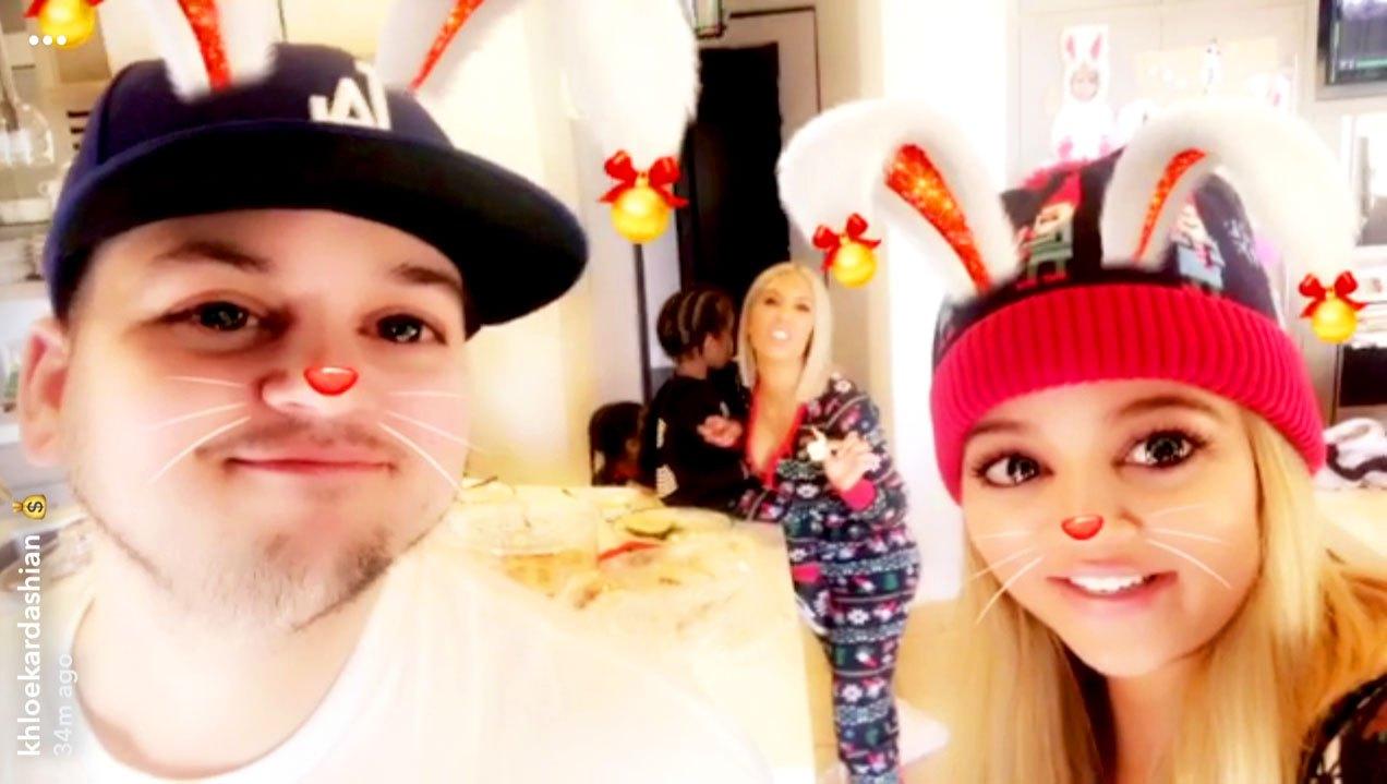 Rob-Kardashian-Kim-Kardashian-Khloe-Kardashian-Snapchat-Christmas