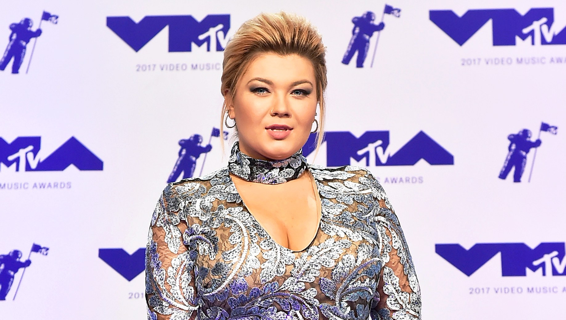 Amber Portwood attends the 2017 MTV Video Music Awards at The Forum in Inglewood, California.