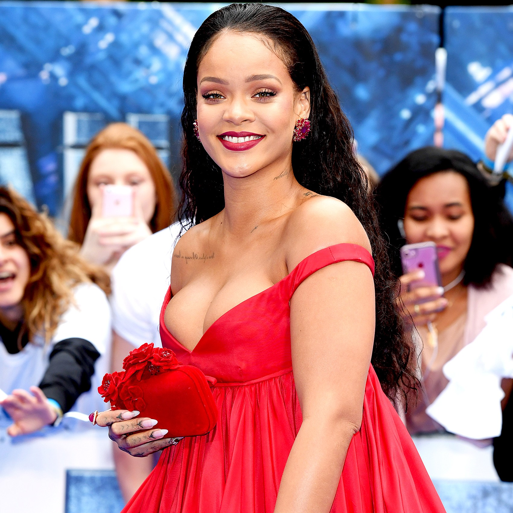 rihanna-and-boyfriend-doing-well