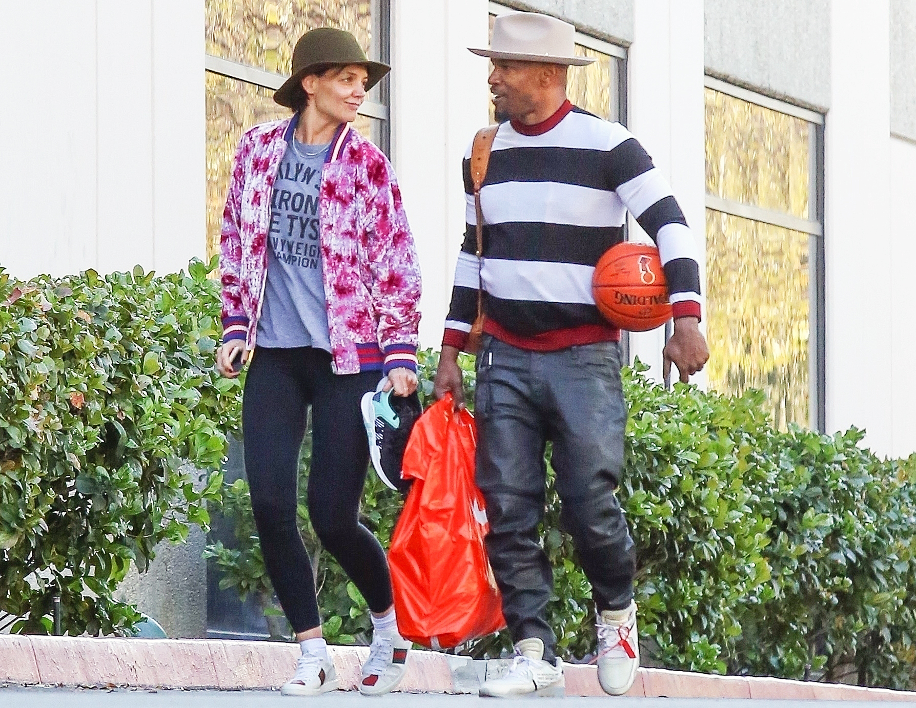 Jamie Foxx and Katie Holmes Have Gone SUPER Public nude (87 pic)