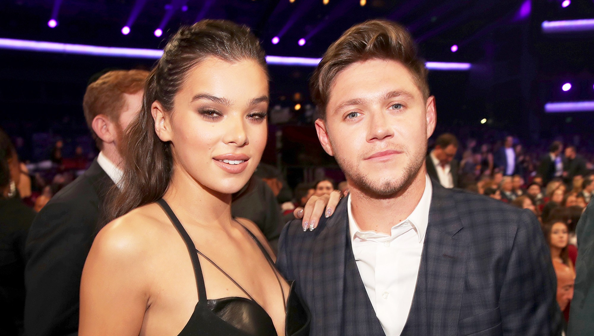 Hailee Steinfeld and Niall Horan during the 2017 American Music Awards at Microsoft Theater on November 19, 2017 in Los Angeles, California.