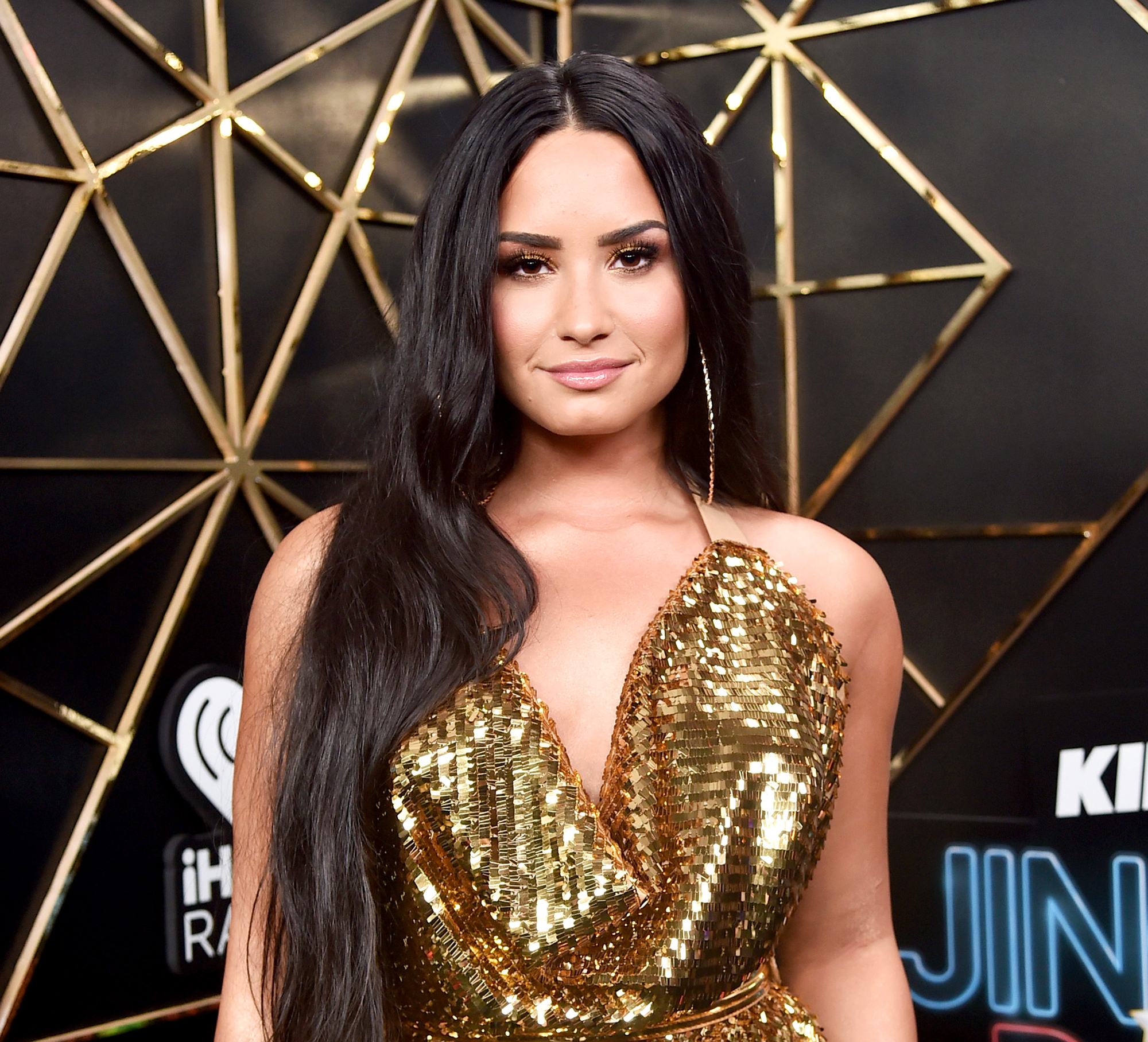 Demi Lovato SHADES Bully Perez Hilton: