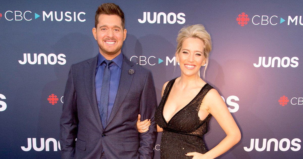 Michael Buble Pregnant Wife Walk Red Carpet After Son S