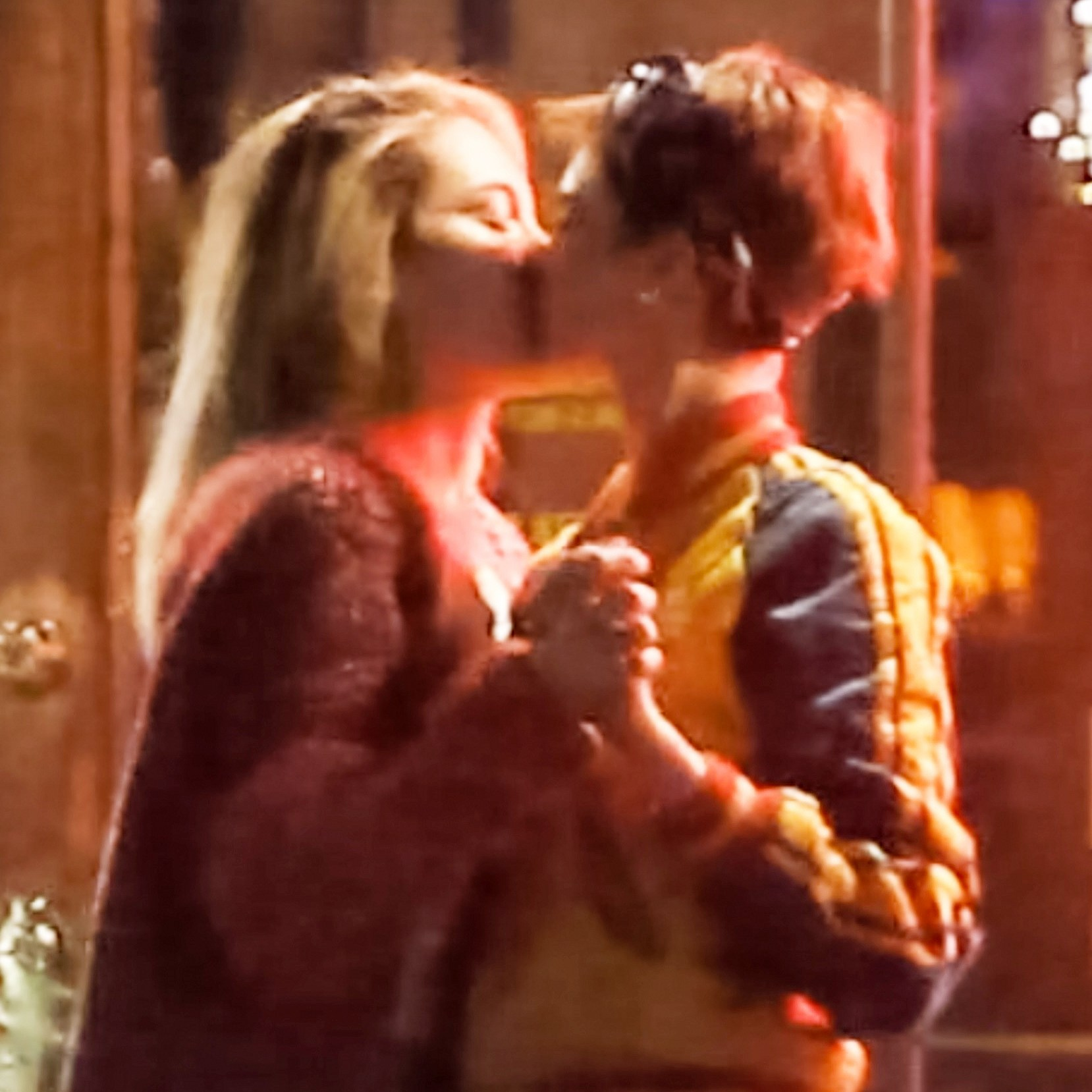 Cara Delevingne Paris Jackson kissing