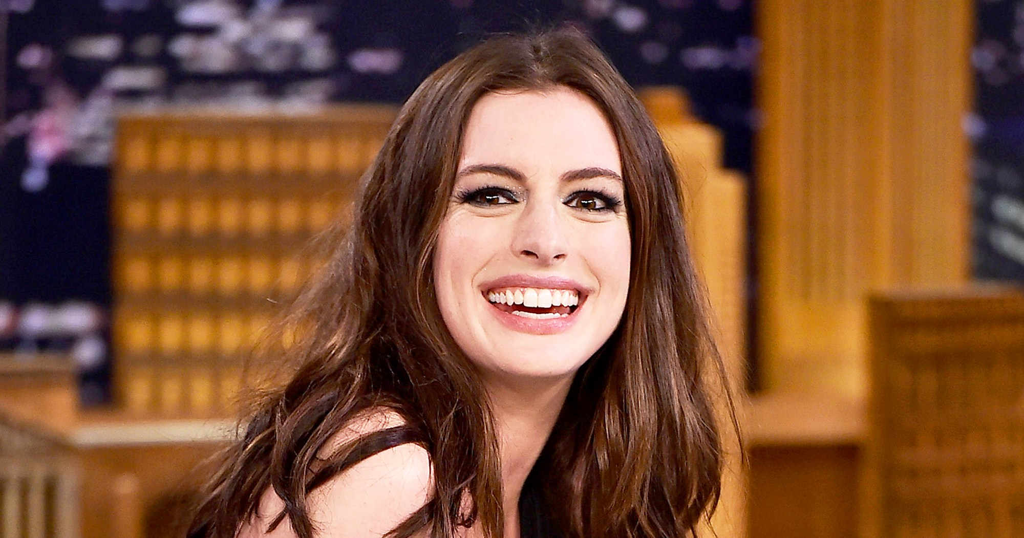 anne hathaway slams haters gains weight for role