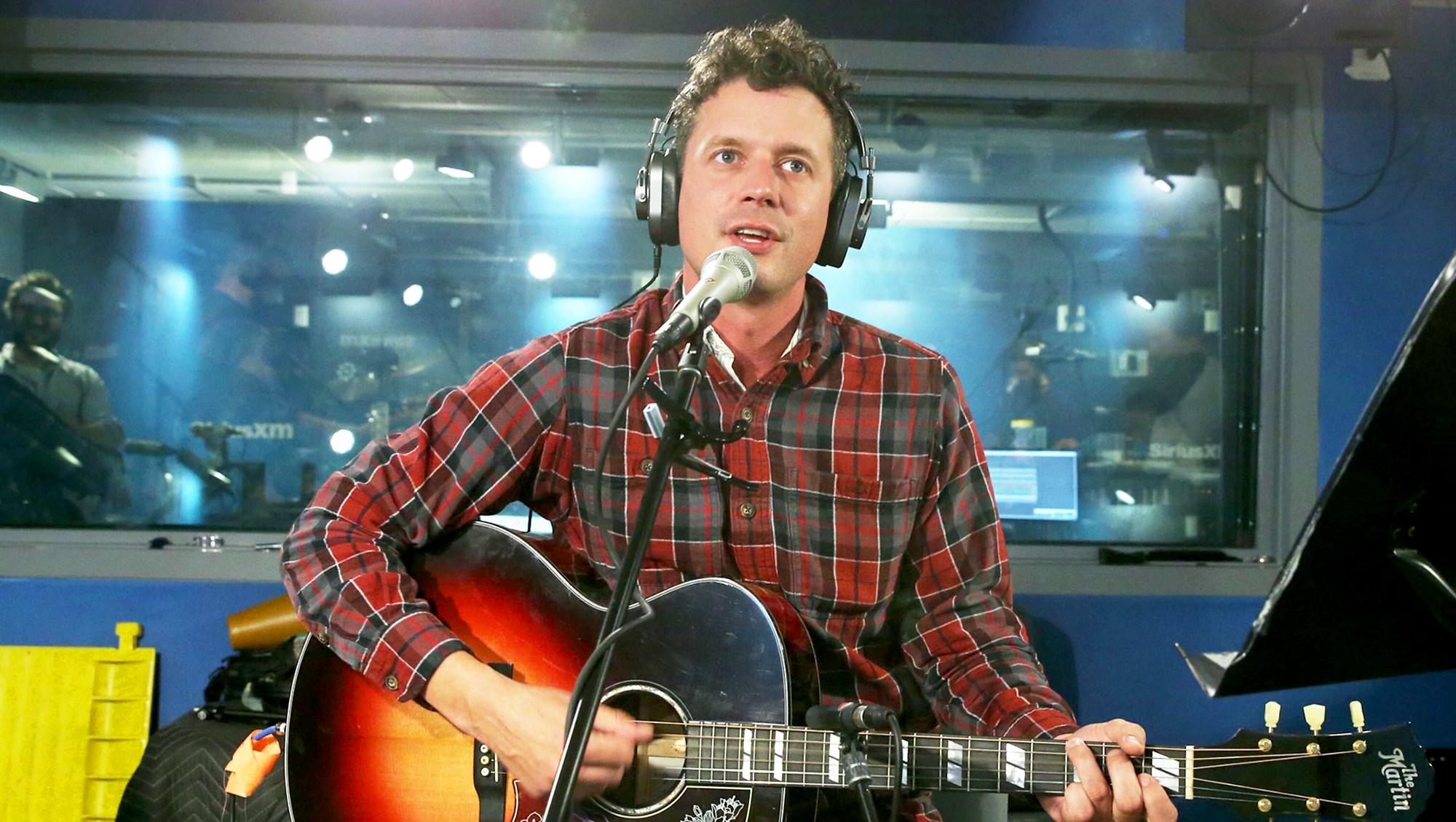 Evan Felker of Turnpike Troubadours performs at SiriusXM Studios on October 26, 2017 in New York City.