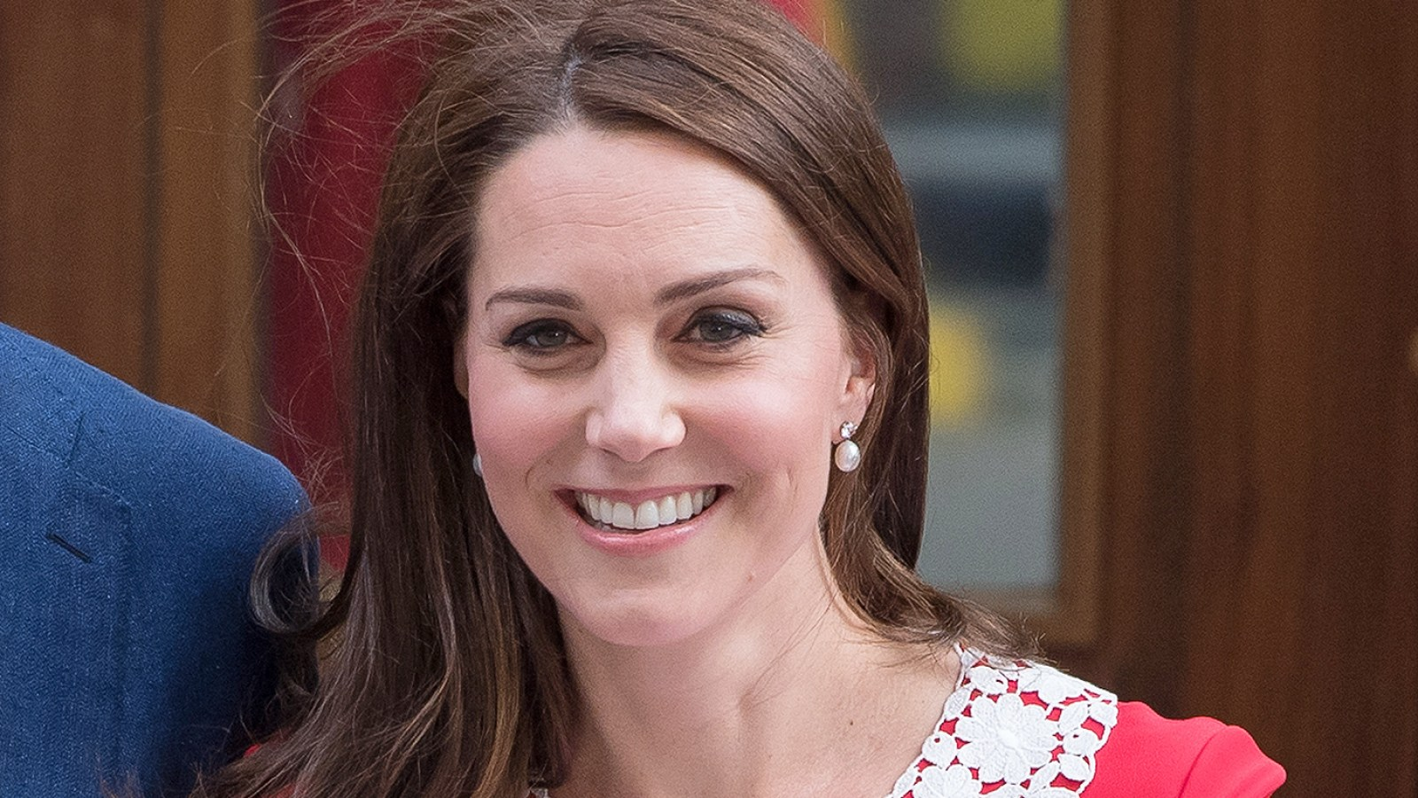 Duchess Kate Red Dress Is Like Rosemary\'s Baby Outfit: Twitter Reacts