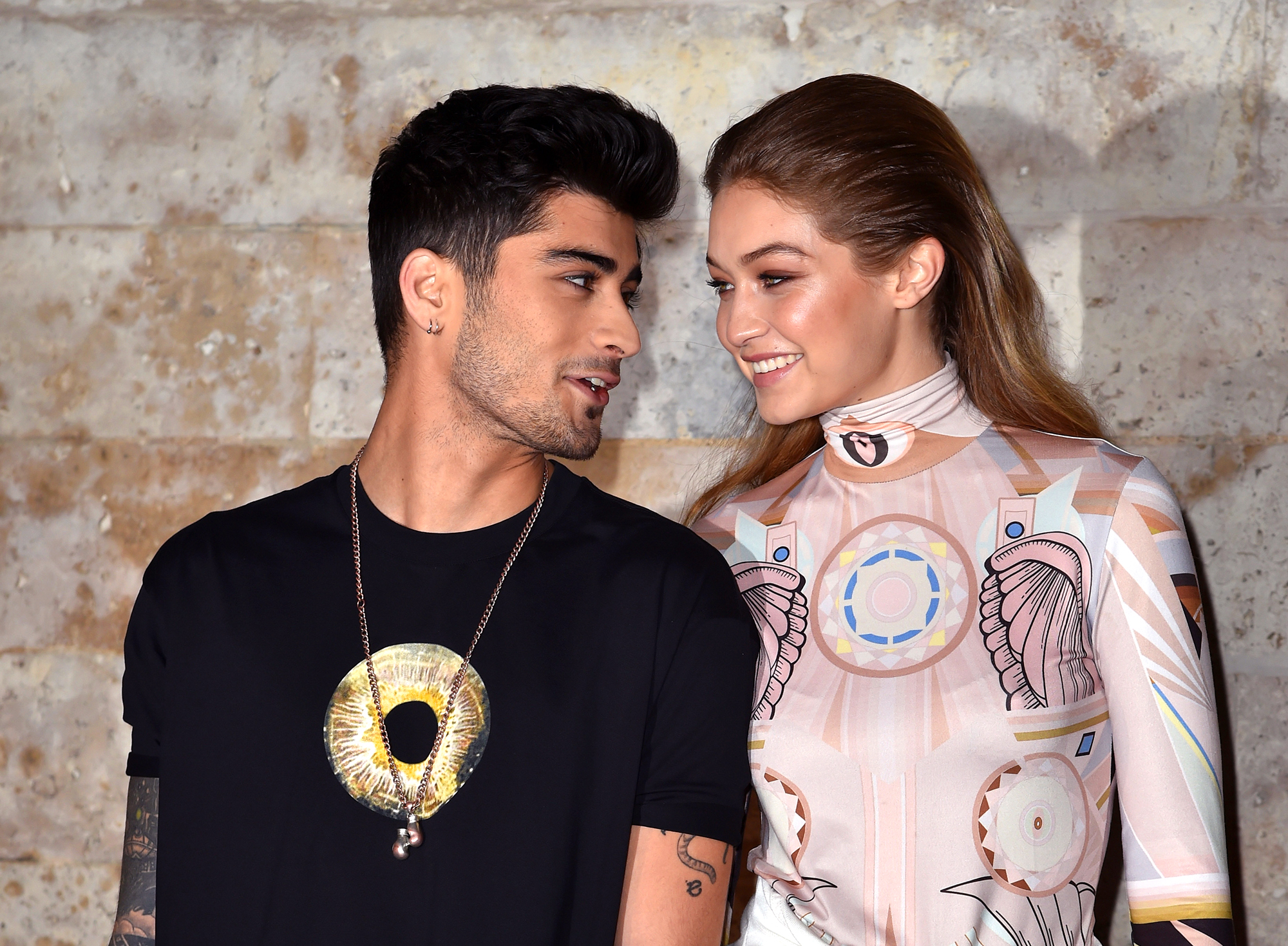 Gigi Hadid & Zayn Malik Were Spotted Kissing Despite Being Broken Up