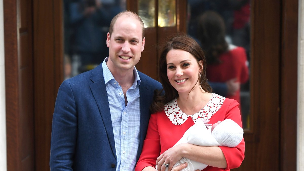 21b347d330b09 Kate Middleton Wears Jenny Packham Dress for Baby 3 Hospital Exit