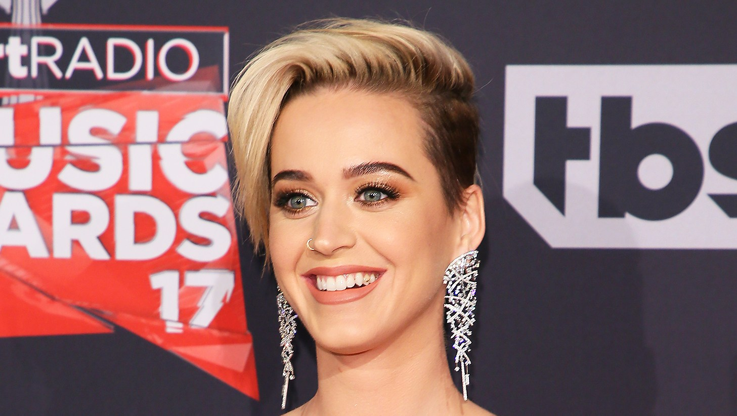 Katy Perry tooth jewelry