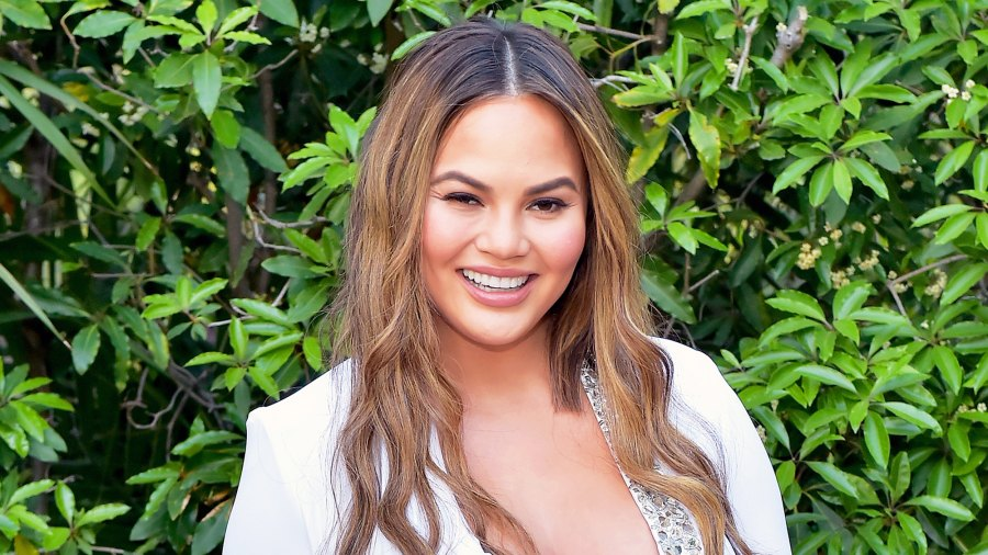 Chrissy Teigen attends The Daily Front Row's 4th Annual Fashion Los Angeles Awards at Beverly Hills Hotel in Beverly Hills, California.
