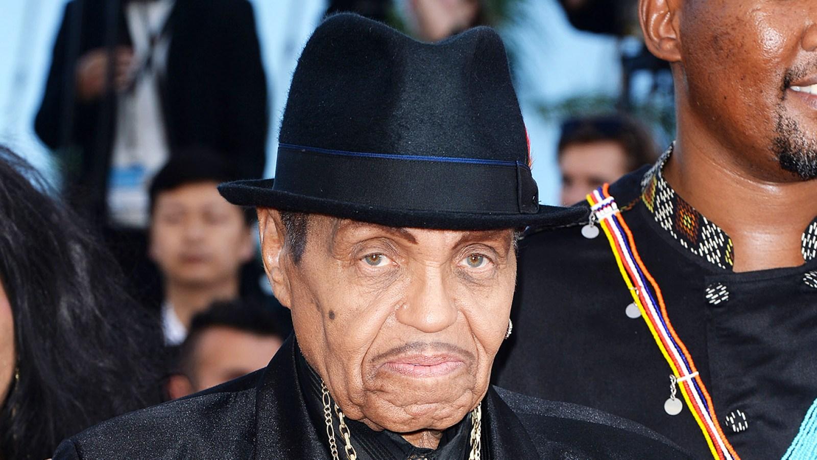Joe Jackson Dead Father Of Michael Janet Jackson Dies At 89