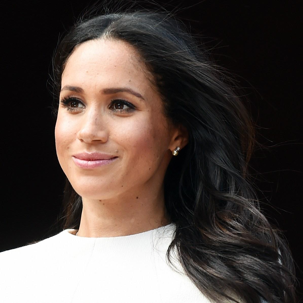 Duchess Meghan Pearl Earrings