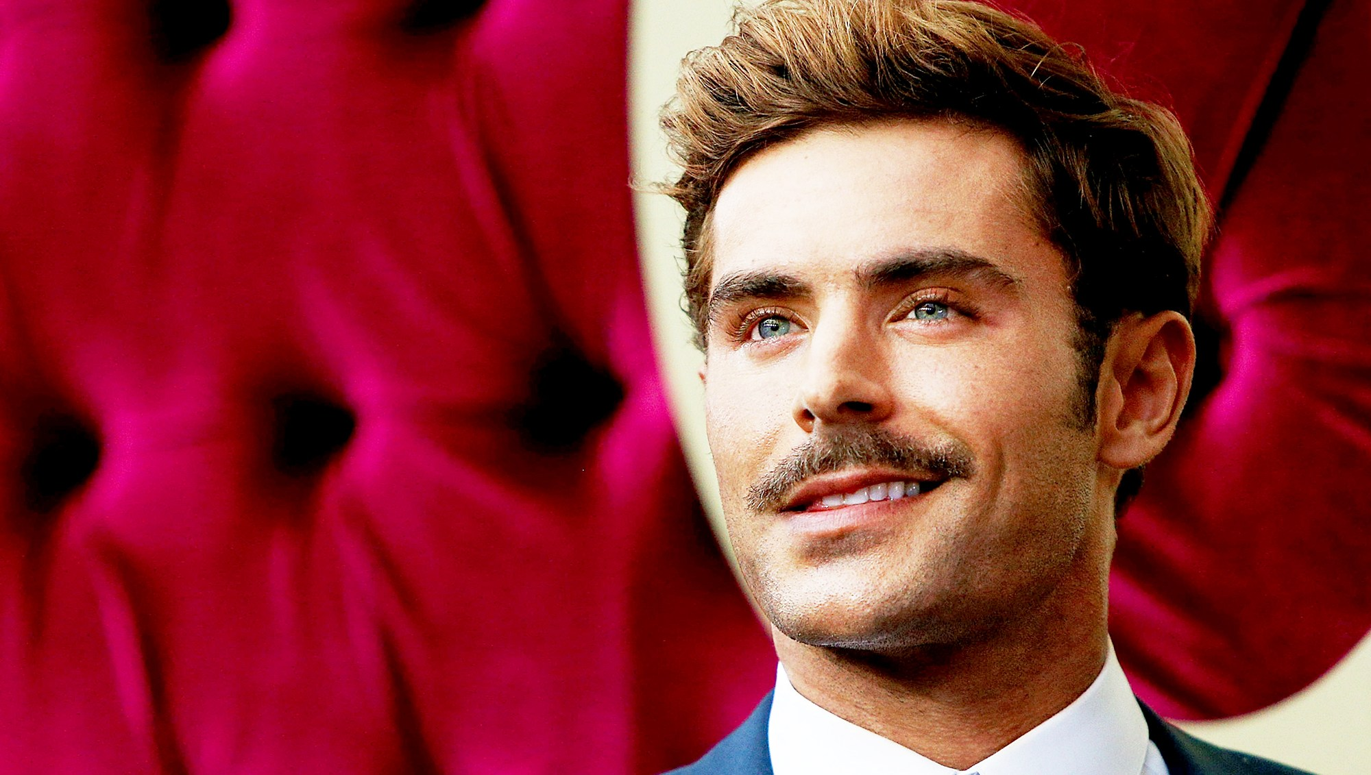 Zac Efron attends the Australian 2017 premiere of The Greatest Showman at The Star in Sydney, Australia.