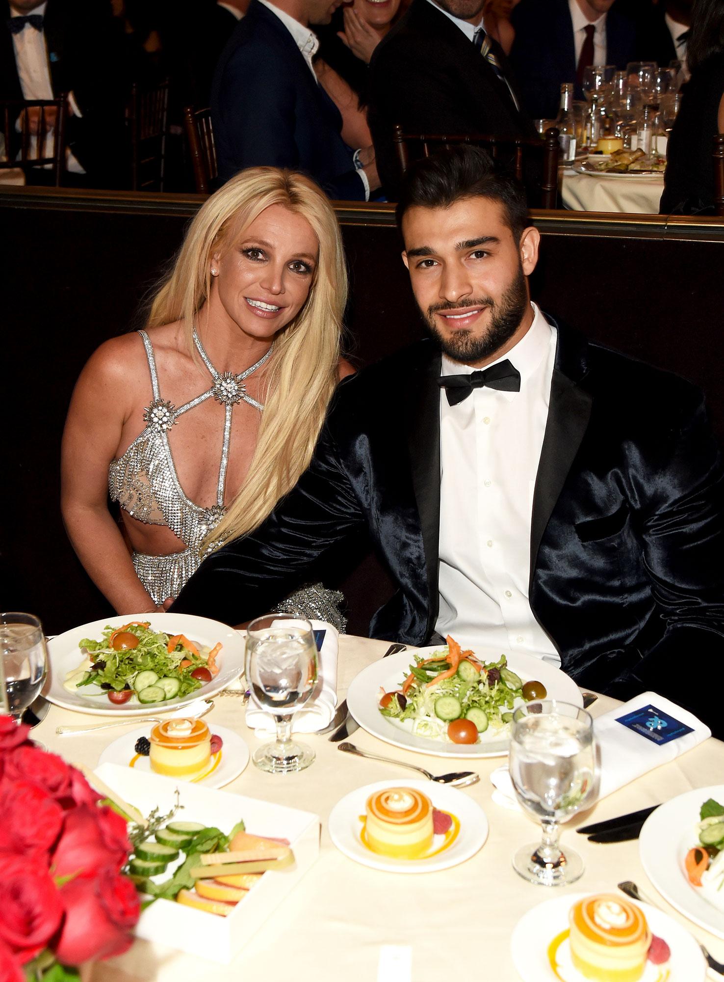 Britney Spears has an office romance