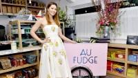 Jessica-Biel-Au-Fudge-closing