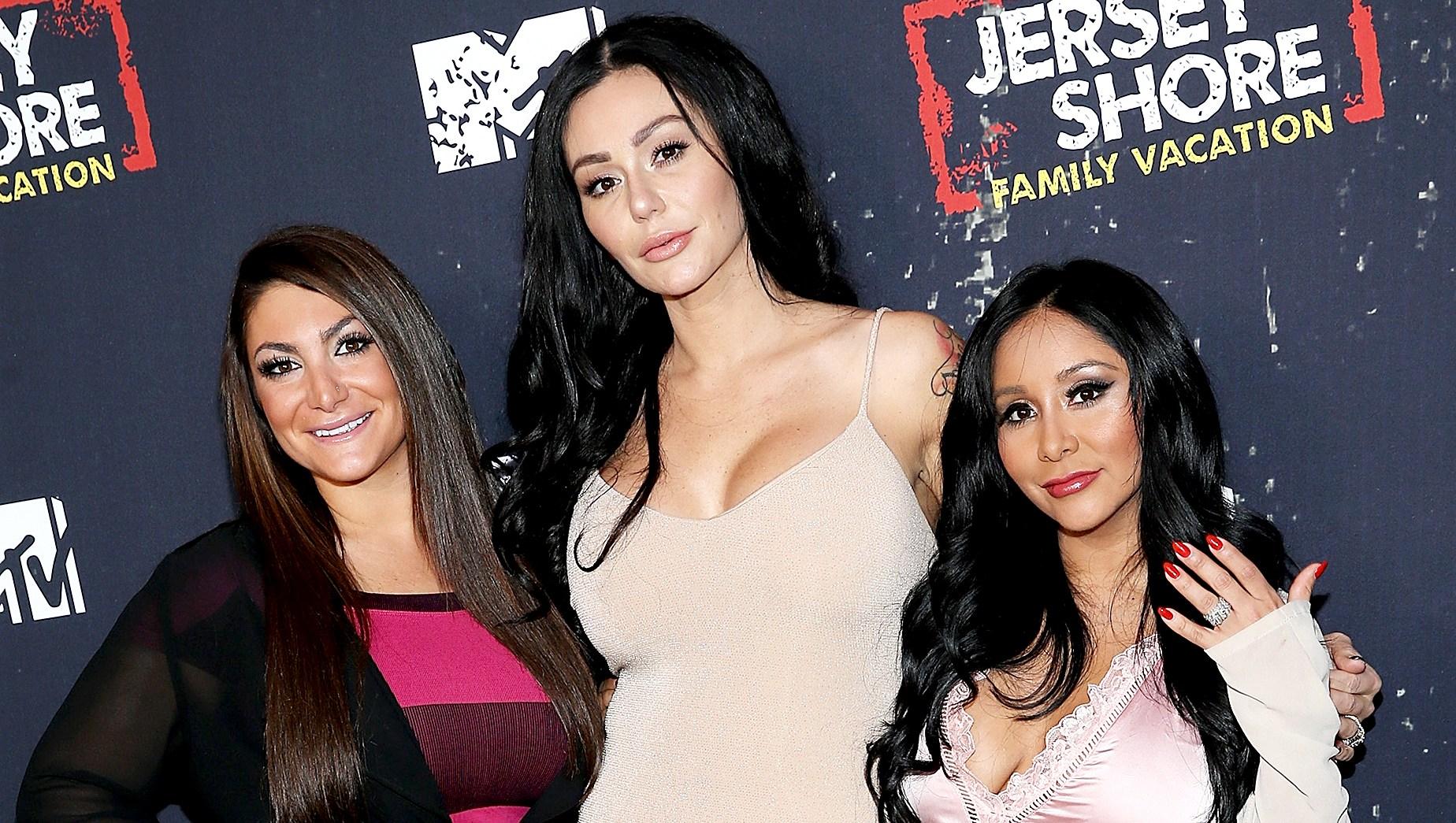 Deena-Cortese,-Jenni-'JWoww'-Farley,-and-Nicole-'Snooki'-Polizzi