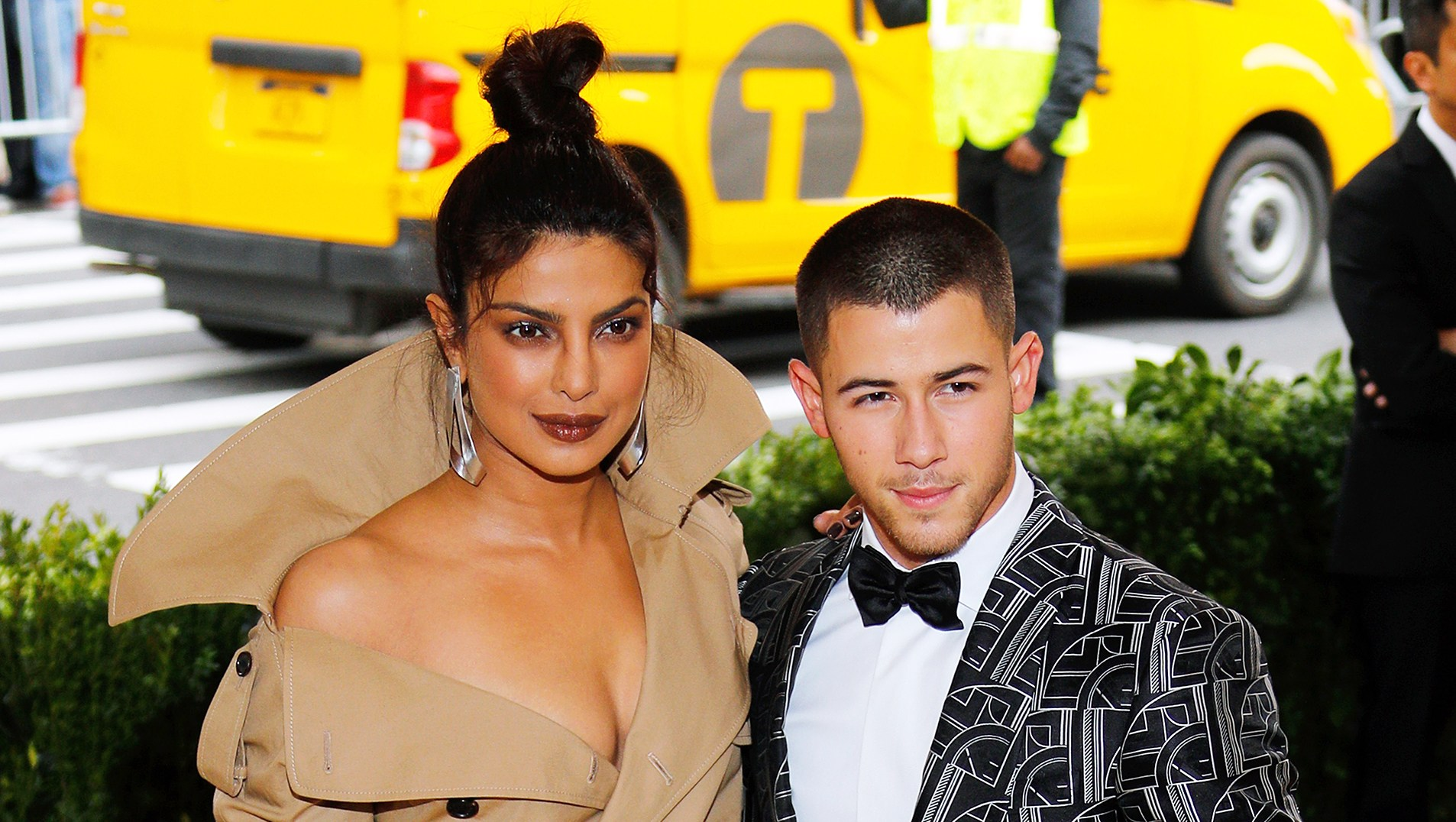 Priyanka Chopra Dances Nick Jonas Concert