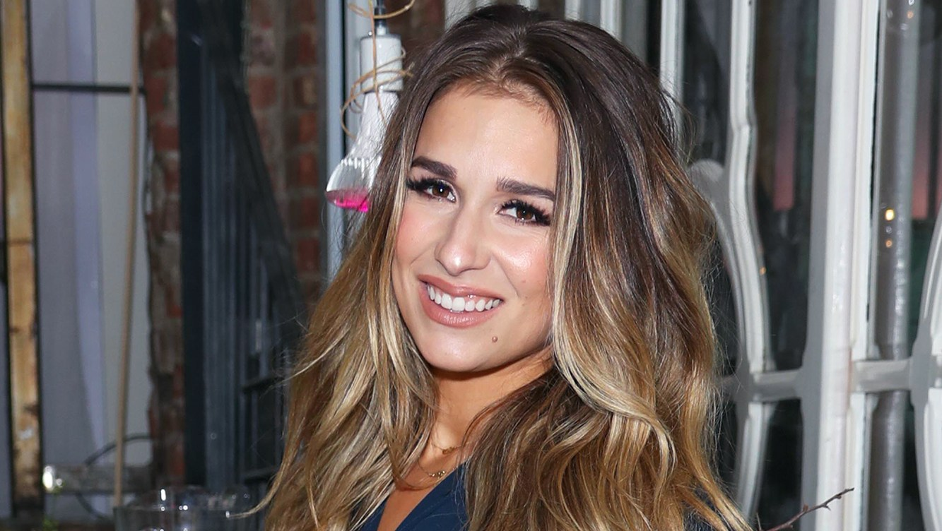 Jessie James Decker Doesn't Think About Her Body After Having Kids: 'Why Bother?'