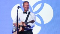 Chris Martin performs onstage at the Leonardo DiCaprio Foundation Gala
