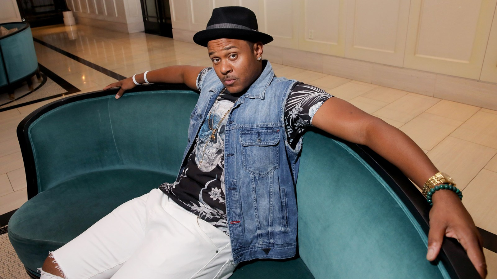 aec6d9c3cccd7b  Ray Donovan  Star Marion  Pooch  Hall Arrested for DUI and Letting  2-Year-Old Son Drive