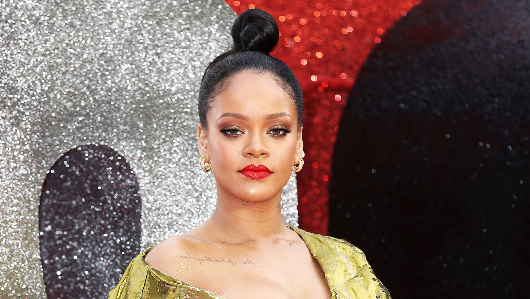 Rihanna Declined Super Bowl Halftime Show Colin Kaepernick Support