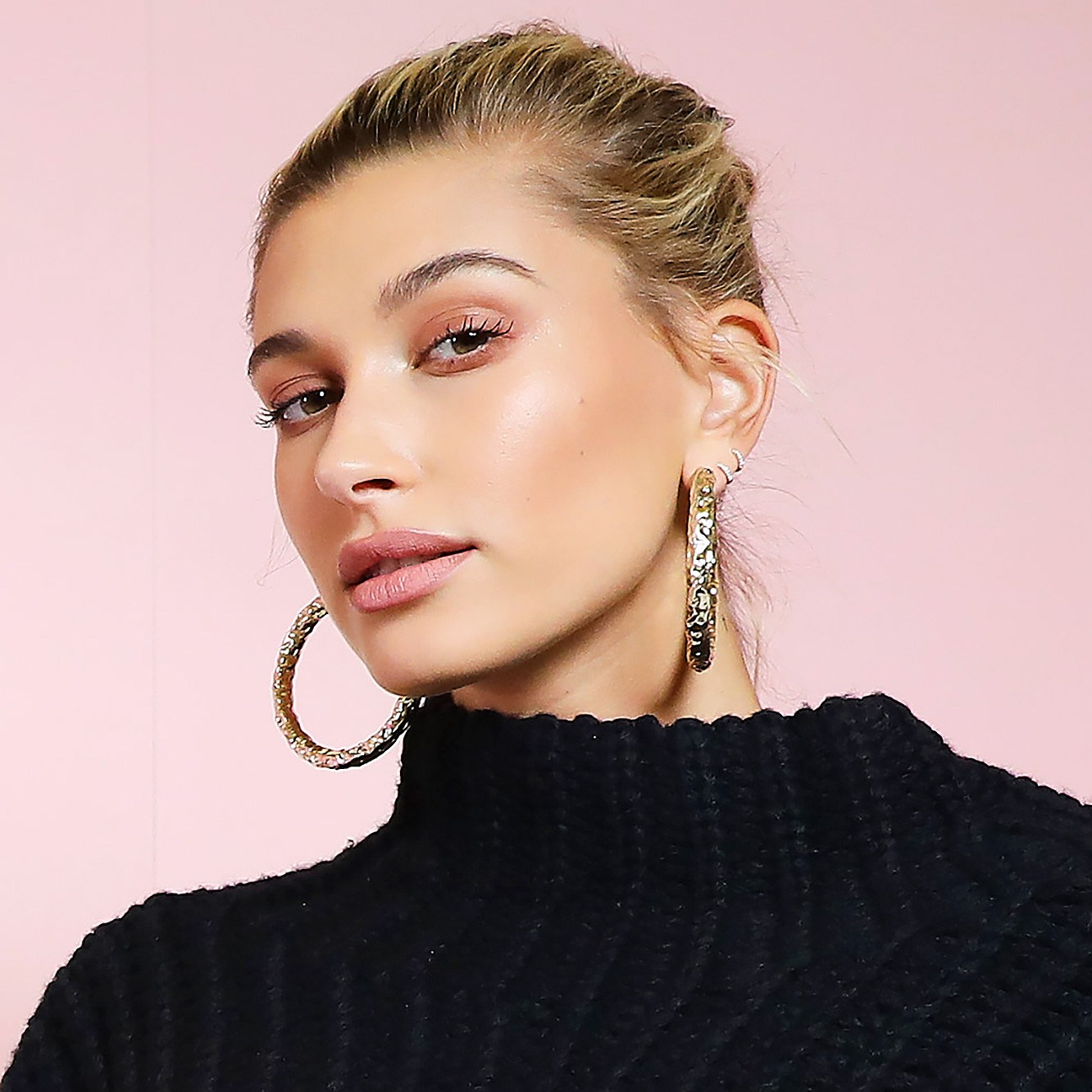 Hailey Baldwin, UsWeekly Celebrity Biography