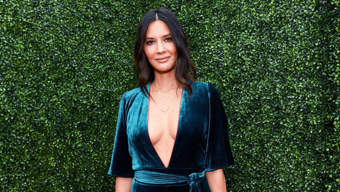 Olivia Munn's Tips for Finding Your Pet the Purfect Halloween Costume