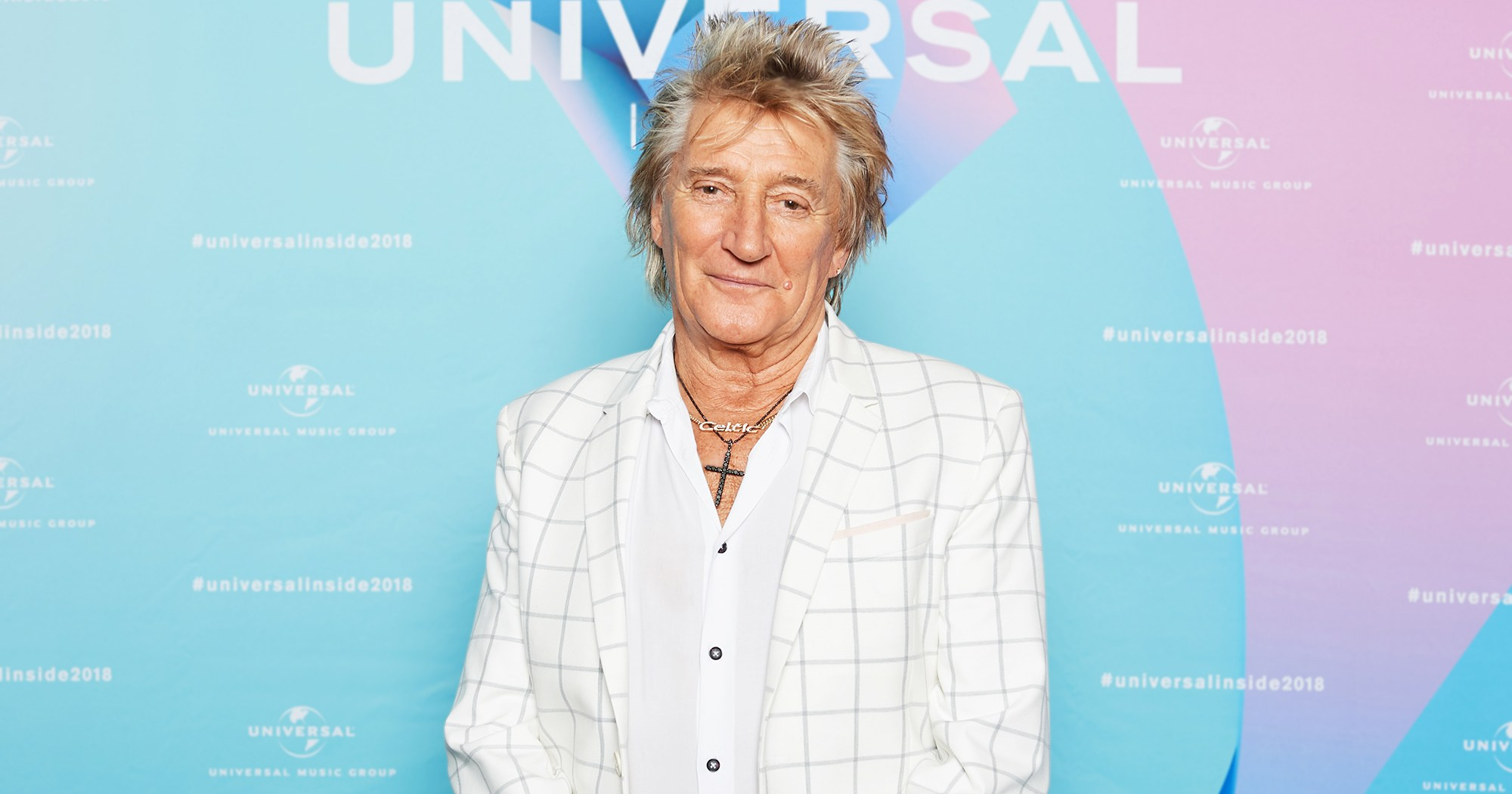 Rod Stewart Poses on Beach With His 4 Sons and Penny Lancaster