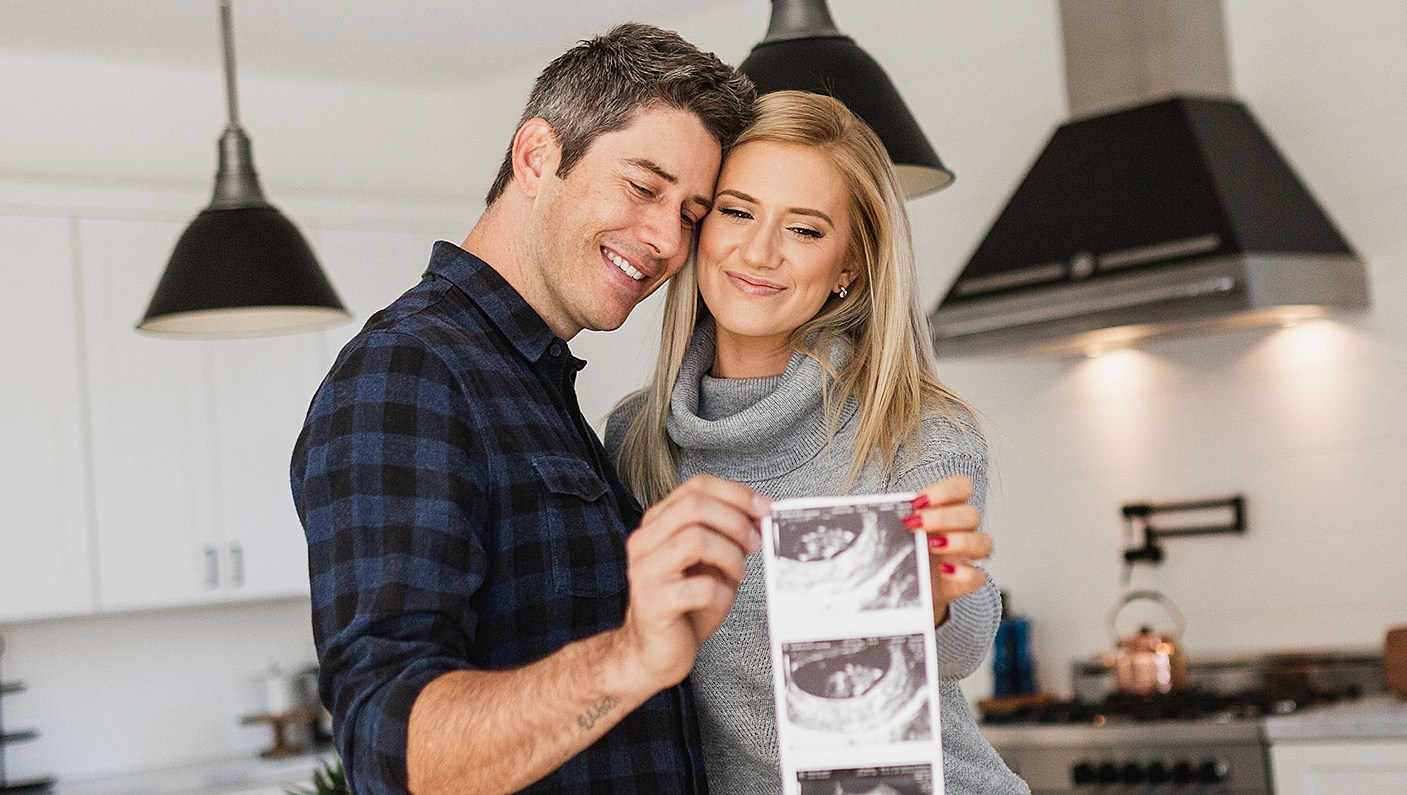 Arie Luyendyk Jr. and Lauren Burnham pregnant